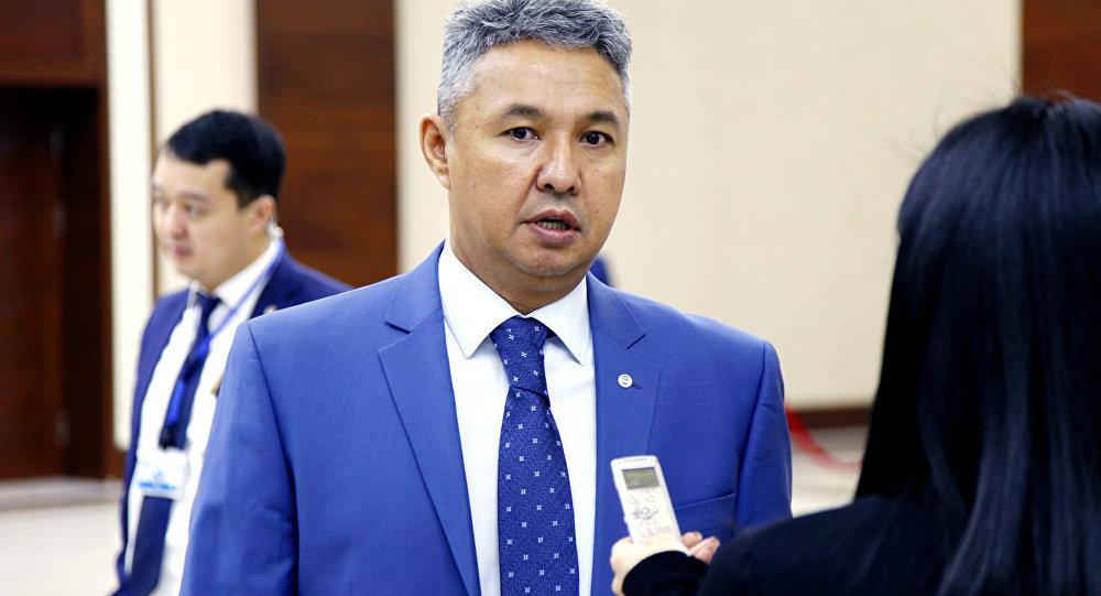 Лидер партии Ак жол Азат Перуашев