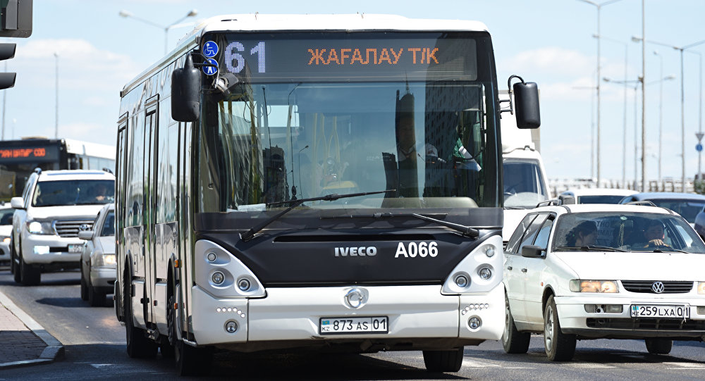 Архивное фото автобуса в Астане