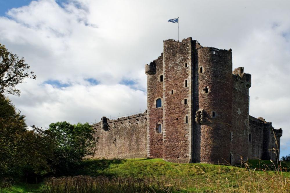 Шотландский замок Дун — средневековая крепость династии Стюартов
