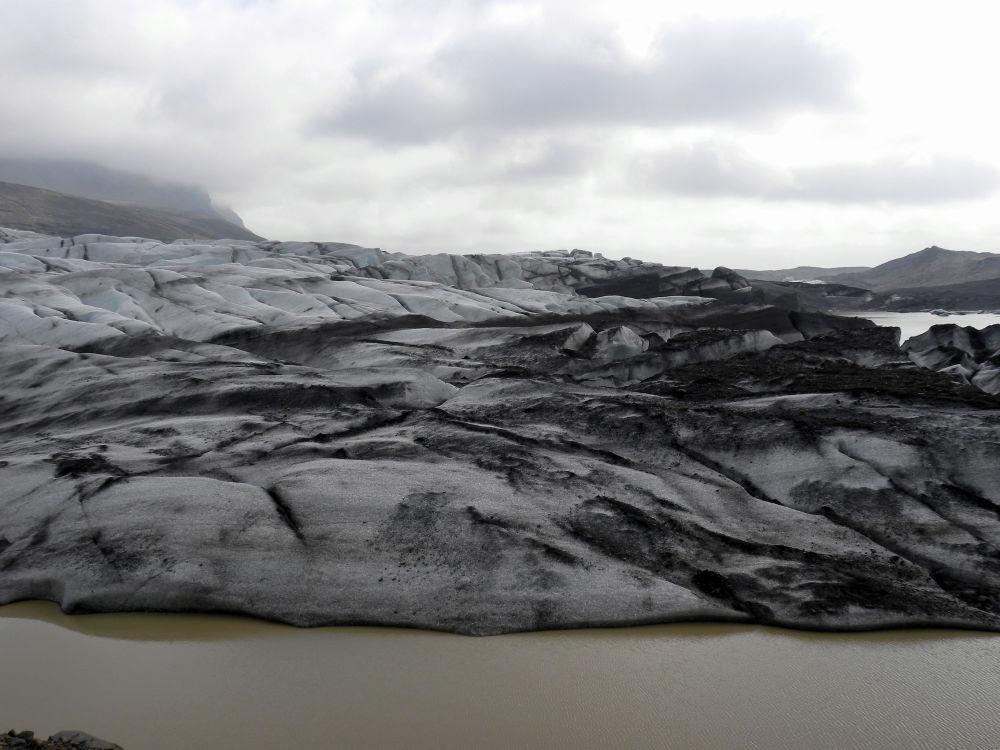 Крупнейший ледник Исландии Ватнайекюдль