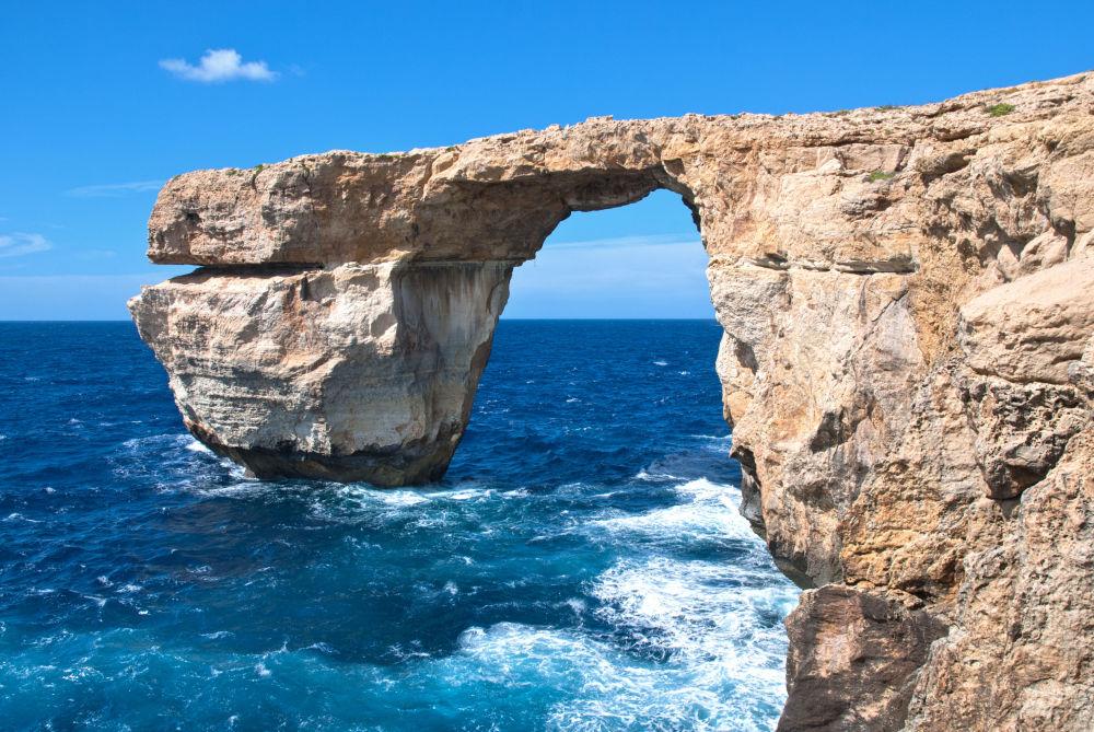 Скальная арка Лазурное окно на острове Гоцо