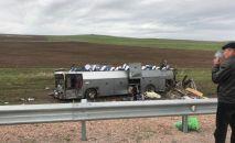 Перевернутый автобус близ Кордая