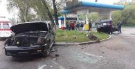 Крупная авария на проспекте Раимбека, напротив ТД Арзан