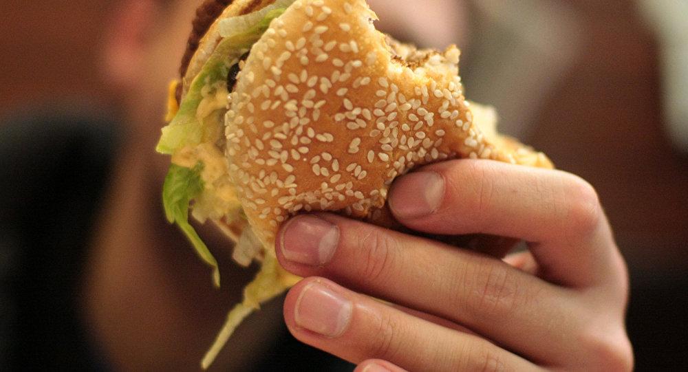 ВУральске растет количество отравлений после посещения кафе «Бургер стрит+»