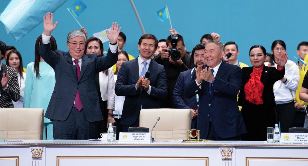 Президент Казахстана Касым-Жомарт Токаев и Лидер нации, председатель партии Nur Otan Нурсултан Назарбаев
