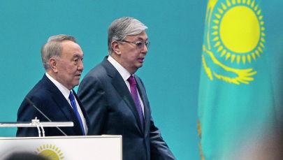 Первый президент Казахстана, Лидер нации Нурсултан Назарбаев (слева) и действующий президент Казахстана Касым-Жомарт Токаев