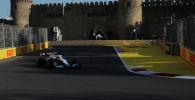 Болид Williams  во время гонки F-1 в Баку
