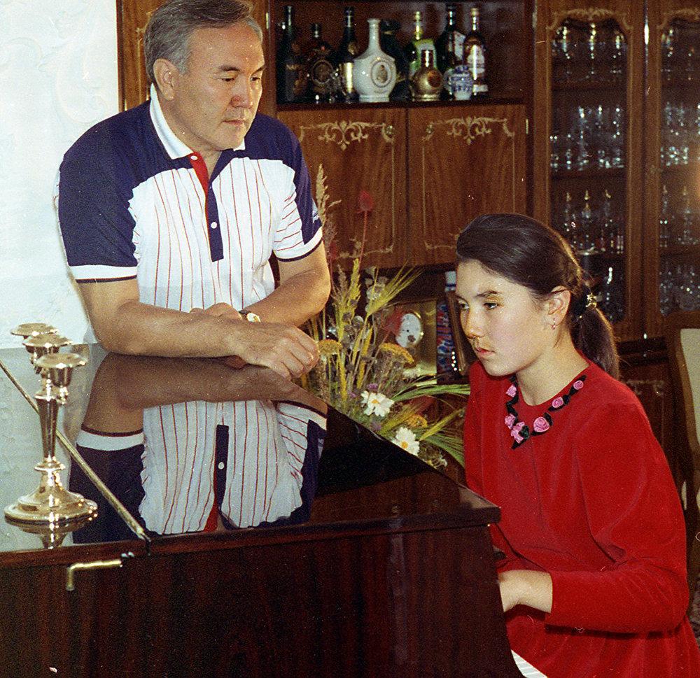 Нурсултан Назарбаев с дочерью Алия