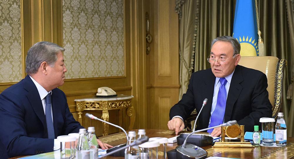 Ахметжан Есимов докладывает Нурсултану Назарбаеву о ходе подготовки в ЭКСПО-2017