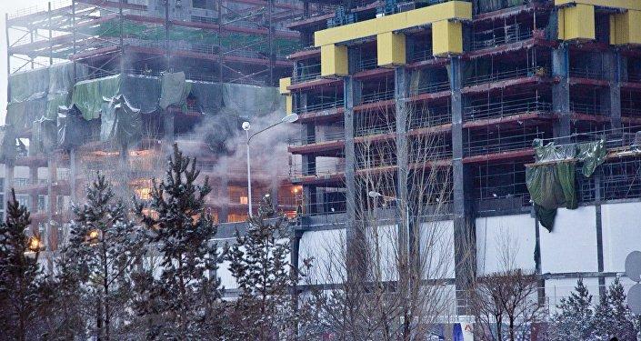 Астанадағы Әбу-Даби Плаза өртенді, архивтегі фото