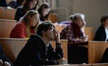 Студенты вуза. Архивное фото