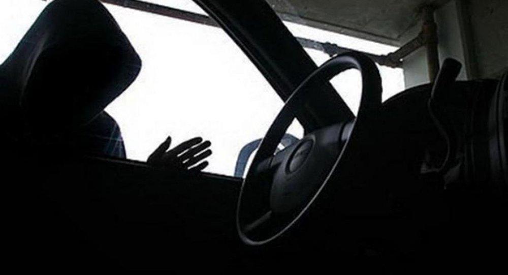 Автомобильная кража, архивное фото