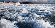 Архивное фото ледохода на реке