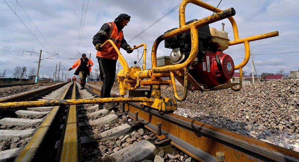 Казахстанские поезда пустили через территориюРФ из-за размыва путей паводком