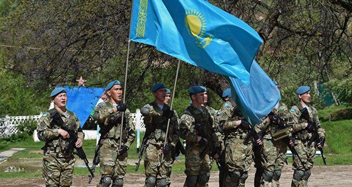 Казахстанские военнослужащие, архивное фото