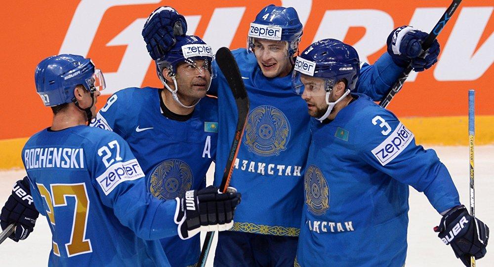 Архивное фото сборной Казахстана по хоккею