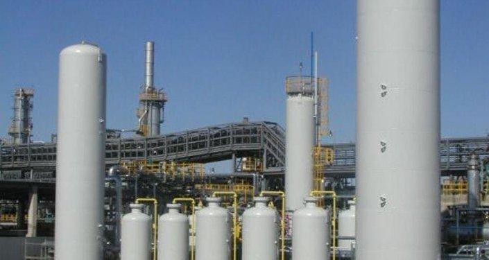 Атырауский нефтеперерабатывающий завод, архивное фото