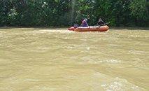 Поиски утонувшего в реке, архивное фото