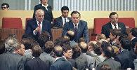 Нурсултан Назарбаев и Михаил Горбачев на целинной земле