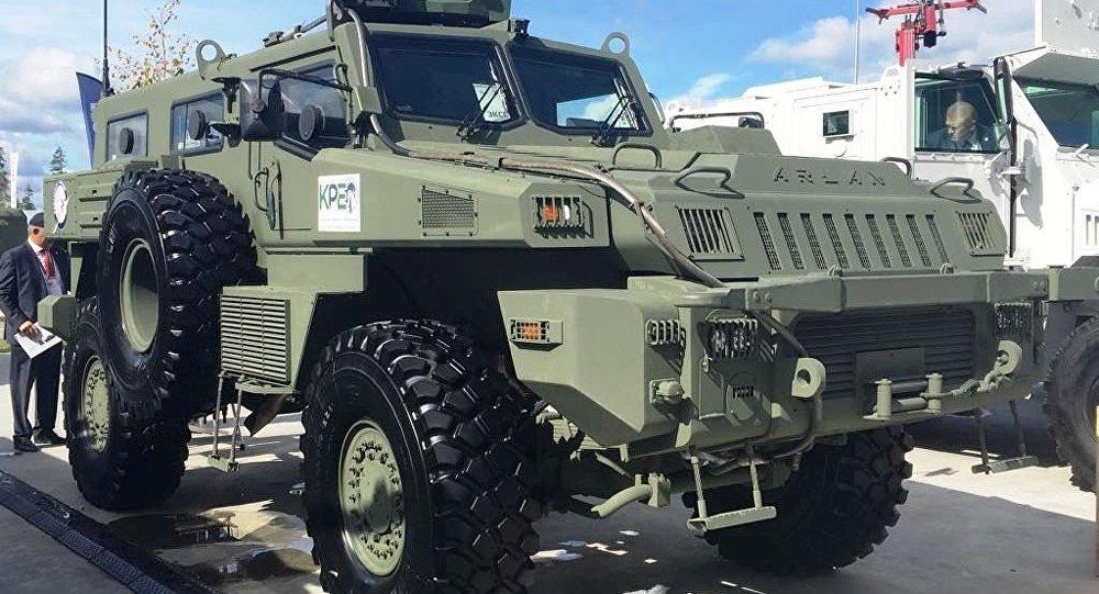 Казахстанская бронемашина Арлан на II Международном военно-техническом форуме Армия-2016