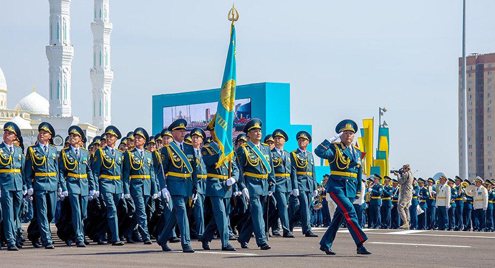 Астанадағы әскери парад, архивтегі сурет
