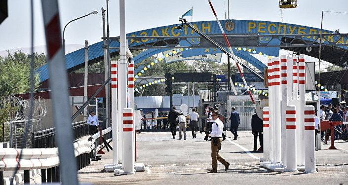Казахстан несомненно поможет  Кыргызстану приспособить  экономику страны к условиям  ЕАЭС