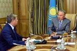 Нұрсұлтан Назарбаев пен Ахметжан Есімов, архивтегі фото