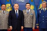Нұрсұлтан Назарбаев қазақстандық ғарышкерлермен бірге